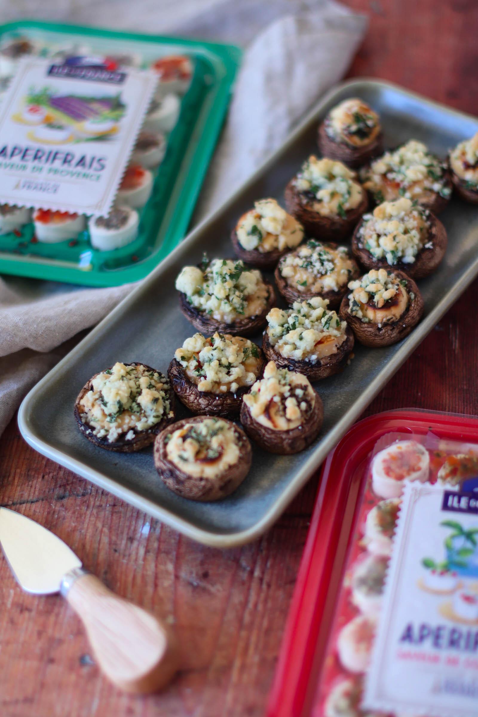 Ciuperci gratinate cu branza de capra si crumble cu patrunjel